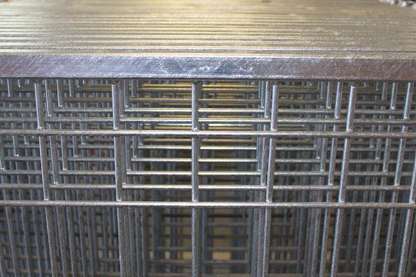 Anchor Gates   Anchor Wire
